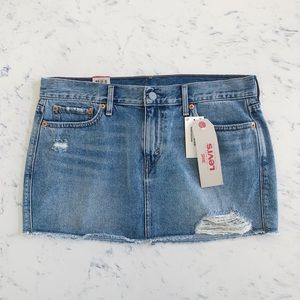 Women's Levi's denim skirt
